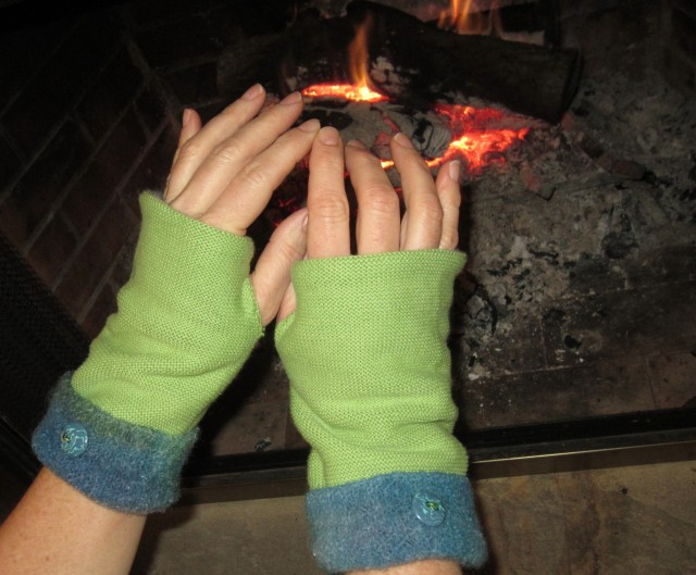 Fingerless_GLoves_-_2